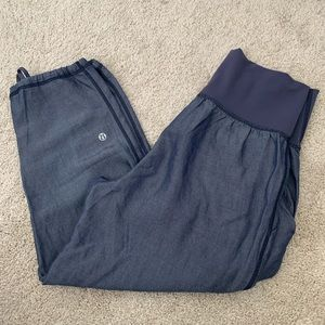 Lululemon Heathered Blue Linen Cropped Pants